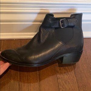 Splendid Black Leather Booties Size 7